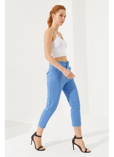 Reyon Kemerli Saten Kadın Pantolon Mavi Mavi